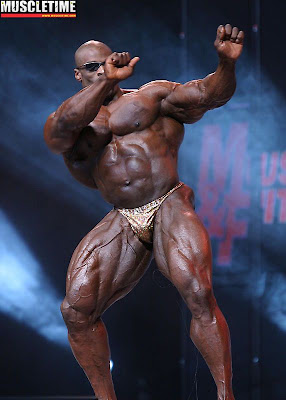 Finals At The 2006 IFBB Mr. Olympia Bodybuilding Contest ...