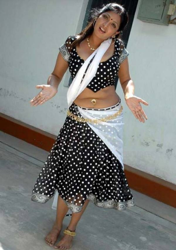 Merable Celebrity  Model Aunty Show Big Navel With -3054