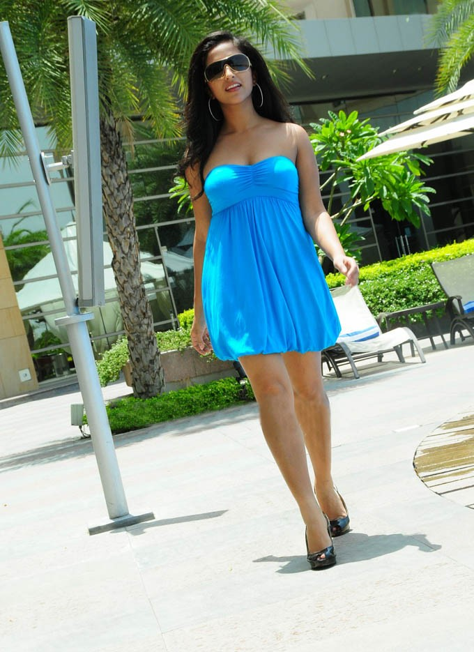 Beautiful Girl Wallpaper Sexy Girl Bikini New Tamil Actress Aasheeka Pictures