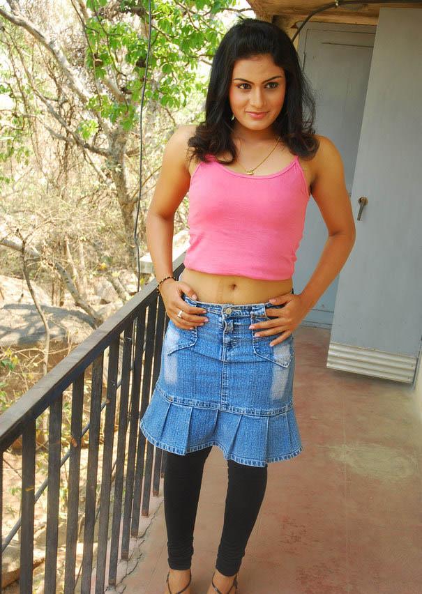 Sexy Girl Bikini New Tamil Sex Bomb Actress Jyothy Photos -4292