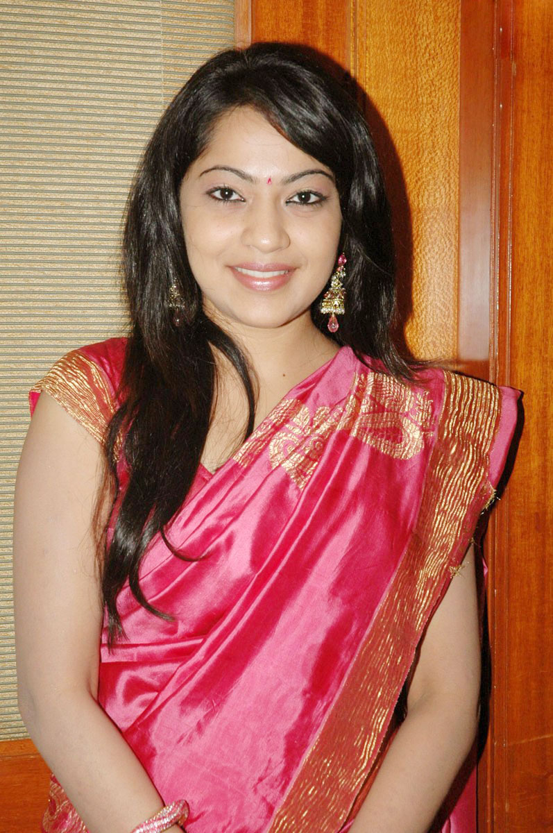 Dollywood Launching Blog Telugu Ramya Aunty Cute Saree