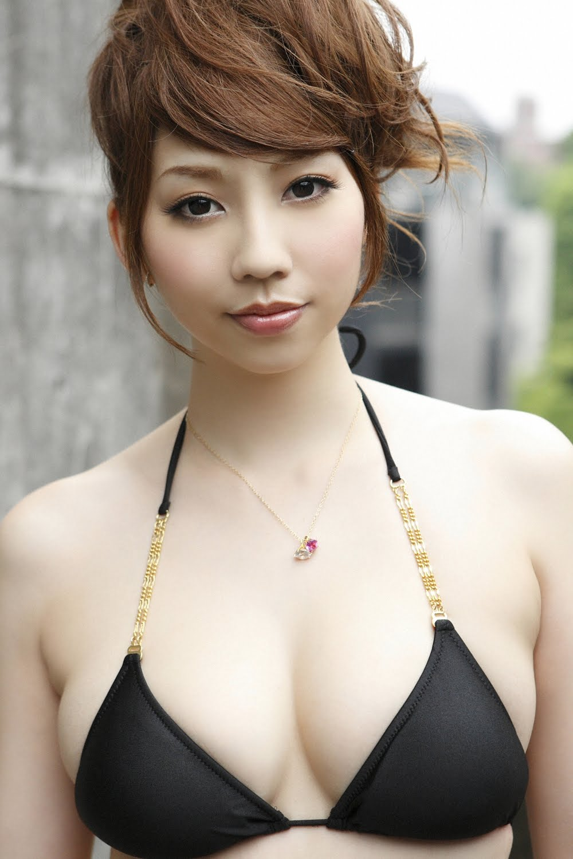 girlz pic maya koizumi in black bikini