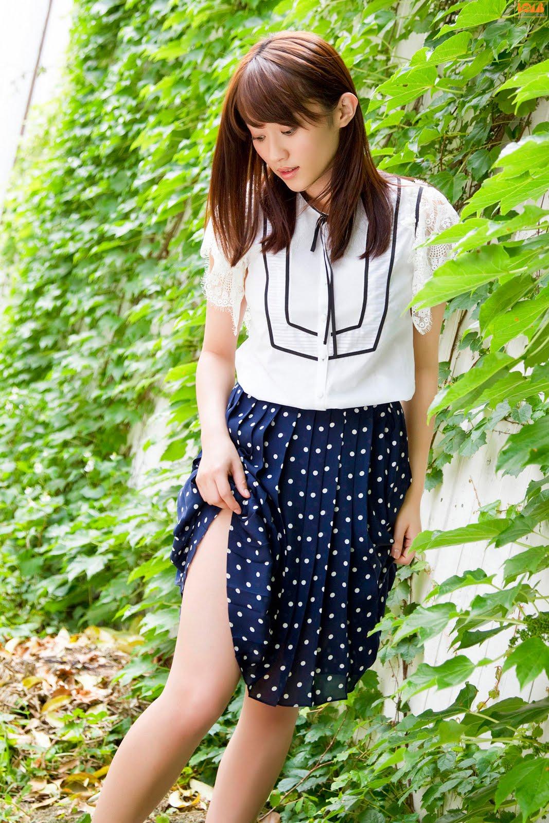 Mikie Hara In Nature  Japanese Girls 2011-3554