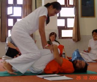 yoga assists and modifications pavanmuktasana