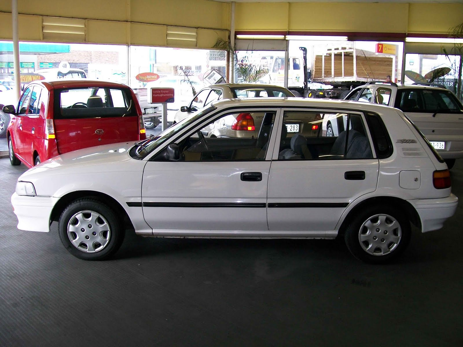 hight resolution of toyota tazz 1600 xe 4