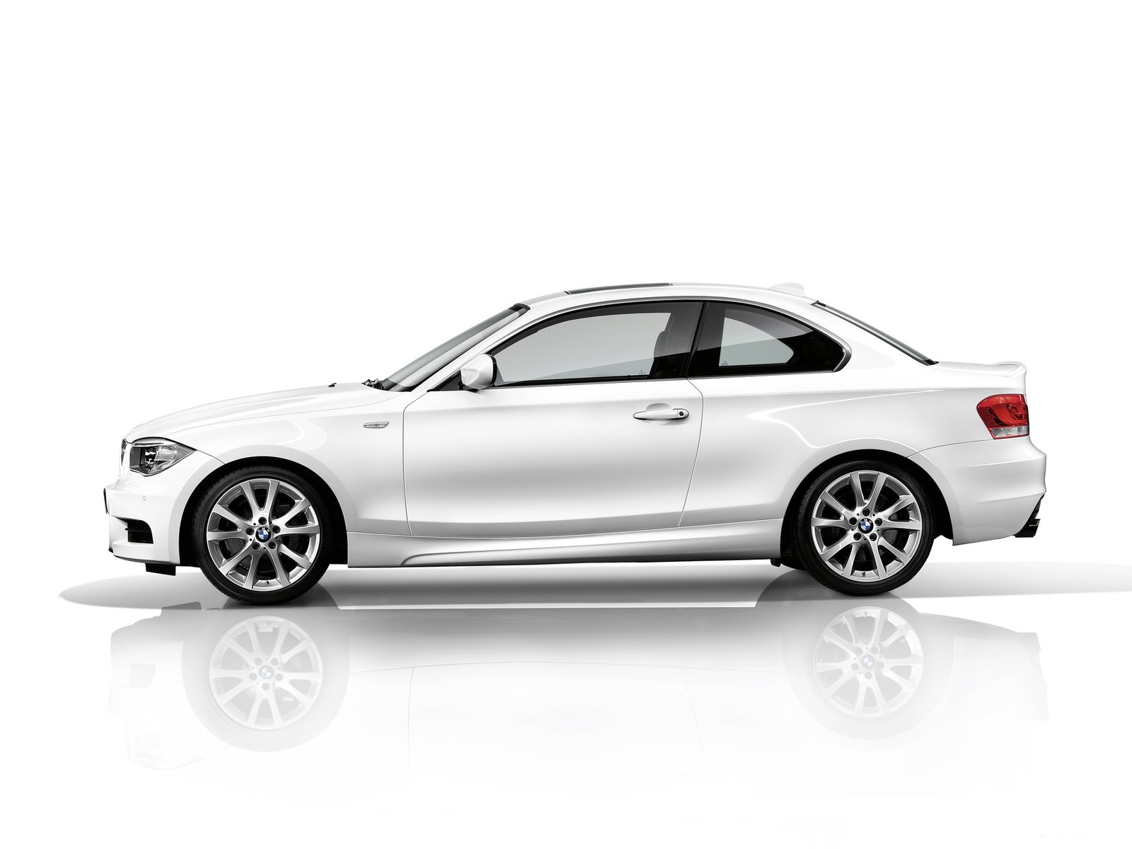 1 Series Saloon 2012 Bmw 1 Series Coupe Wallpapers Car Accident Lawyers Info
