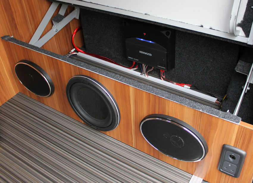 speakers under r and r bed panel vw t4 forum vw t5 forum. Black Bedroom Furniture Sets. Home Design Ideas