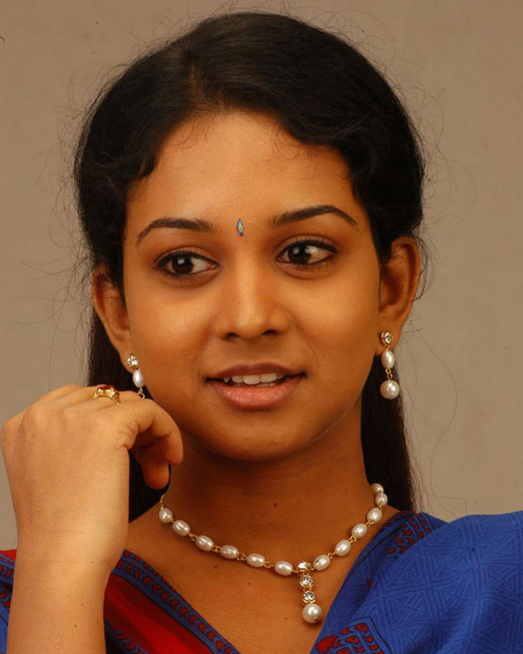 Tamil Film Industry: Karthika-Actress