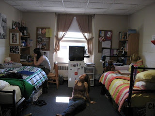 Kayla S Blog How To Pack Your Life Into A Dorm Room