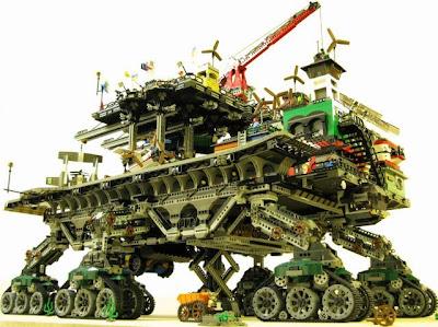 [Image: lego_crawler_town_01.jpg]