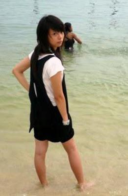 [Image: Popular_Girl_06.jpg]