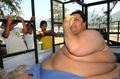[Image: Fattest_Man_01.jpg]