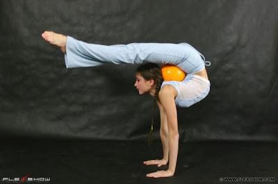 Flexible Girls 38