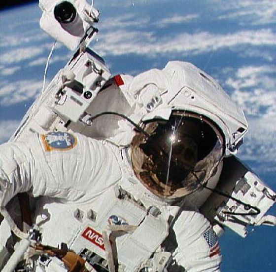 astronaut untethered space walk - photo #5