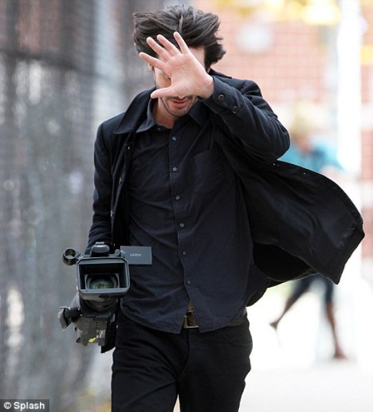 Happy Keanu Damn Cool Pictures