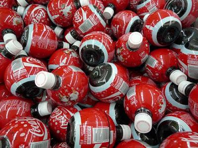 [Image: evolution_of_cocacola_bottle_design_16.jpg]