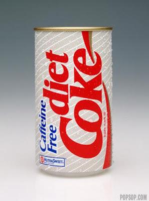 [Image: evolution_of_cocacola_bottle_design_03.jpg]