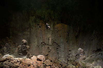 [Image: worlds_biggest_cave_18.jpg]