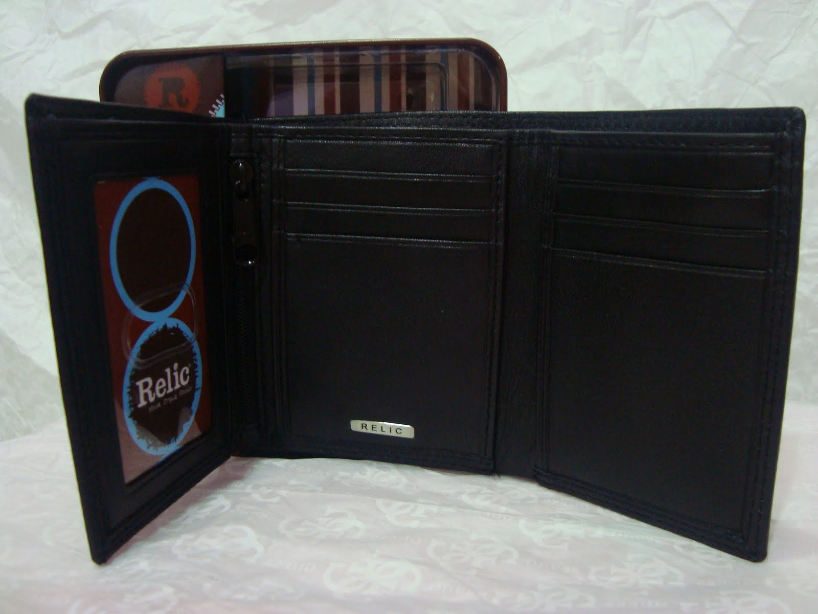 fossil wallets with coin compartment