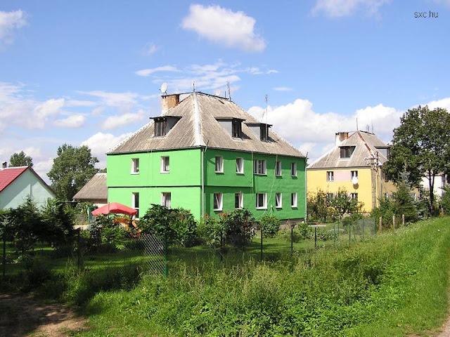 Casas rurales coloridas