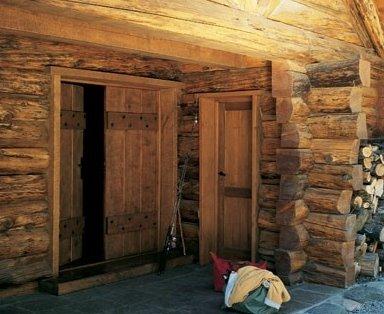 Cabaña de troncos y piedra