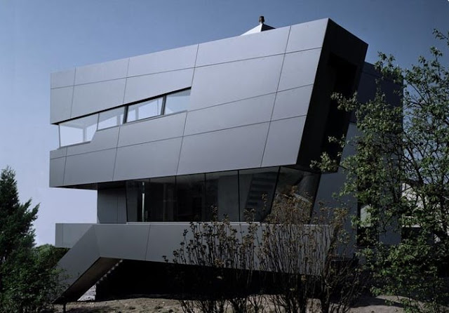 Casa posmoderna alemana en un ámbito rural