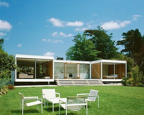 Casa residencial moderna inglesa de mitad del siglo 20