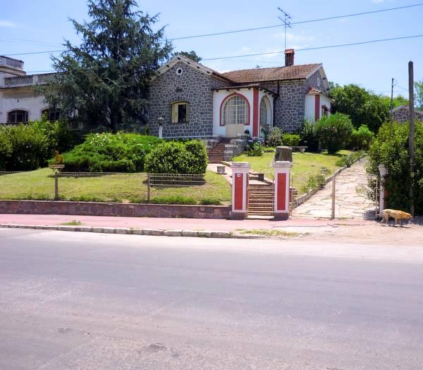 Chalet europeo tradicional construido con piedra de granito