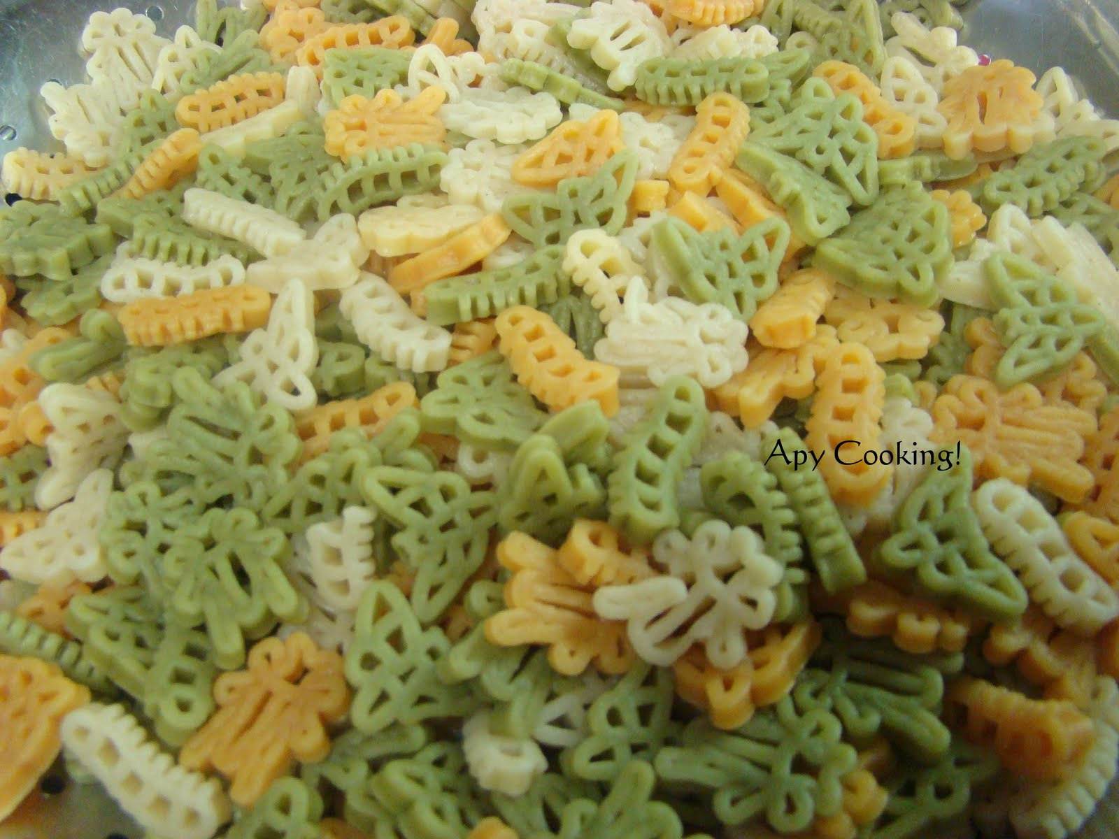 Bugs In Pasta Apy Cooking: Veggie-cheese Kiddie Pasta