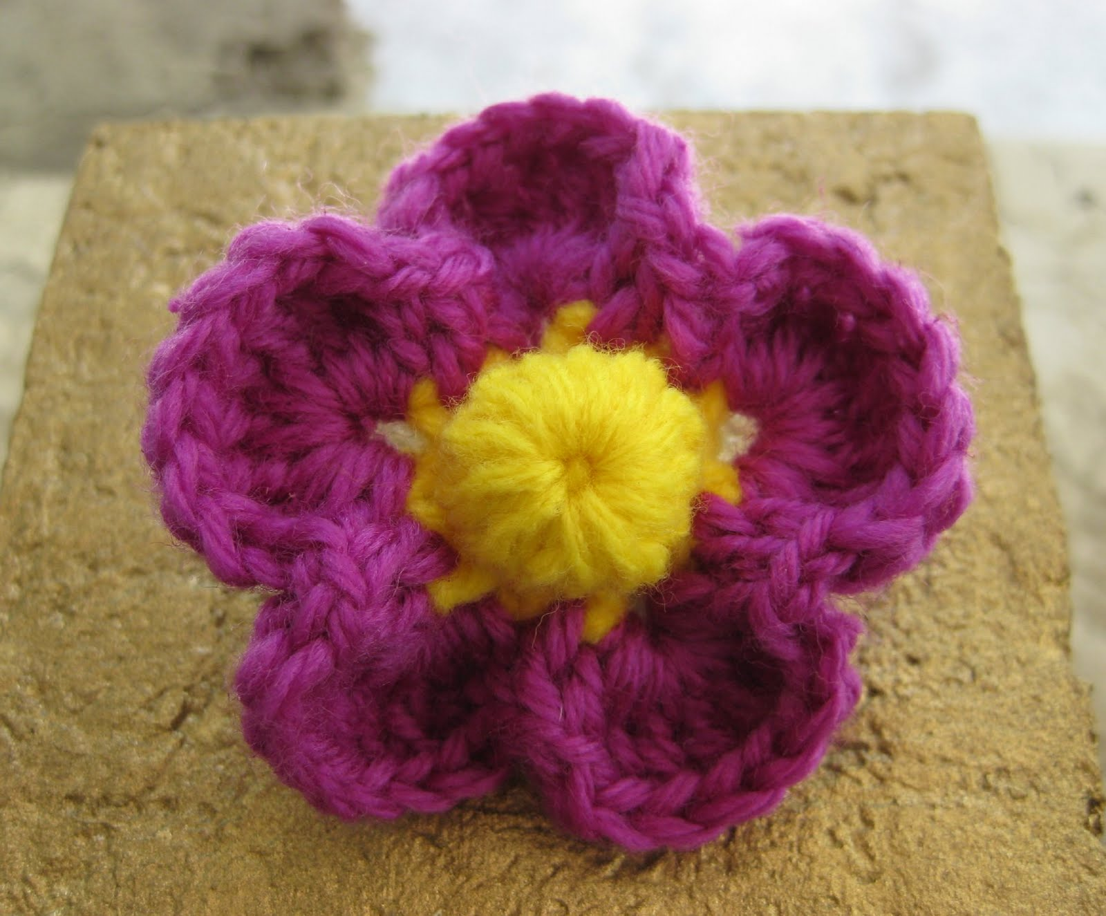 Crochet and Other Stuff: Tropical Flower Pin - free crochet pattern
