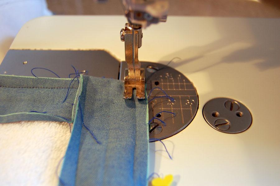 how to sew bias binding corners