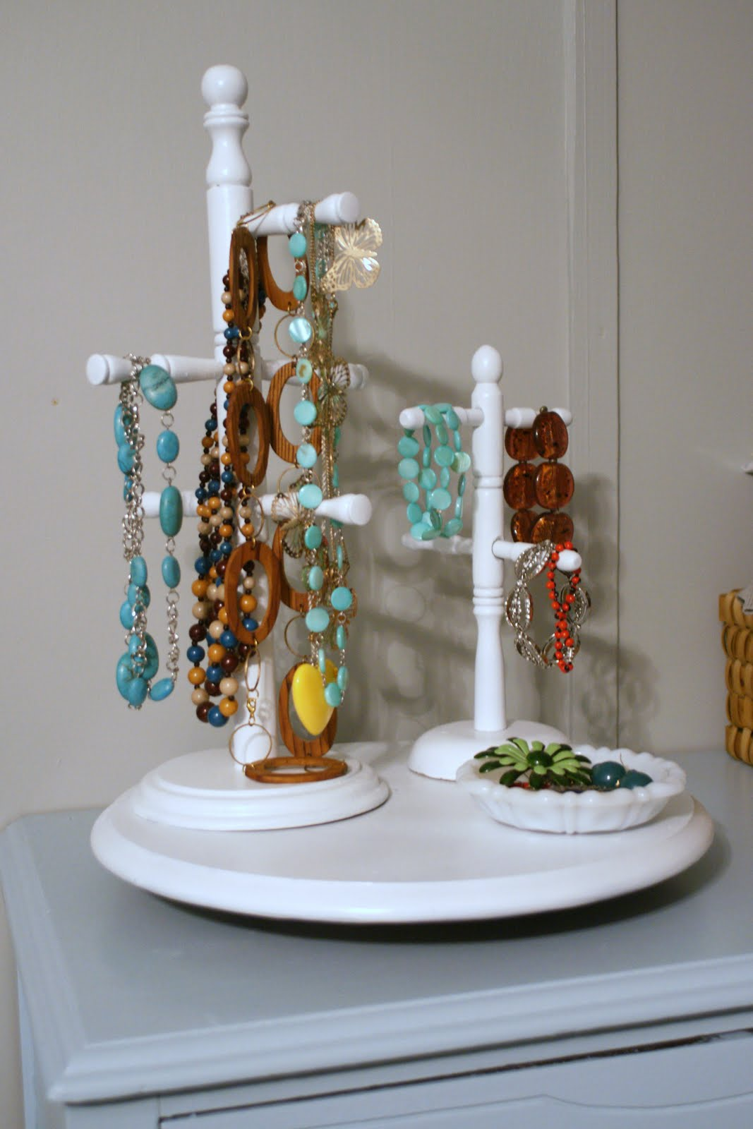 Made By Stephie: Lazy Susan + Mugholder = Jewelry Holder