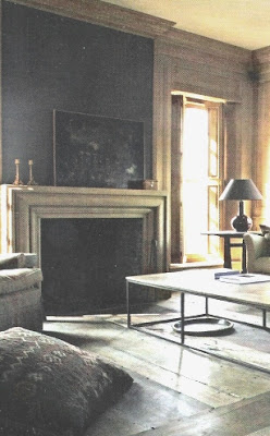 image via Maisons Côté Est Magazine as seen on linenandlavender.net, post:  http://www.linenandlavender.net/2010/11/design-daily_03.html