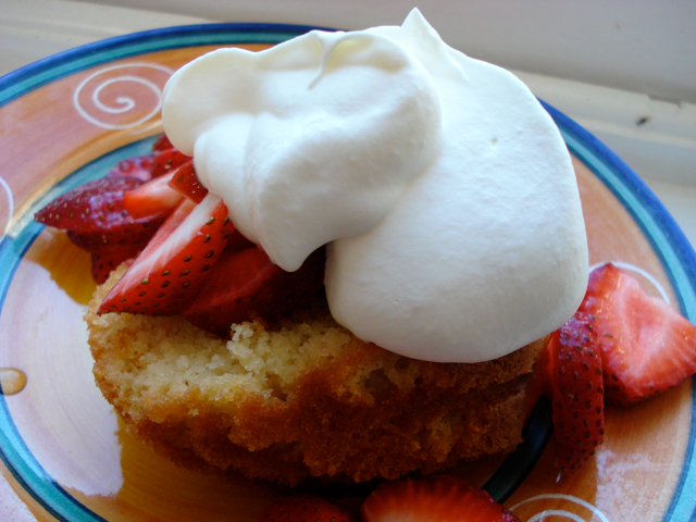 Is Five Weekend Recipe Mama S Apricot Brandy Pound Cake