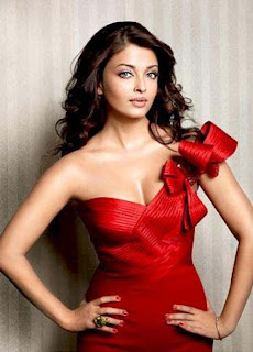 Aishwarya Rai Bold Picture In Fast Red Color Outfit