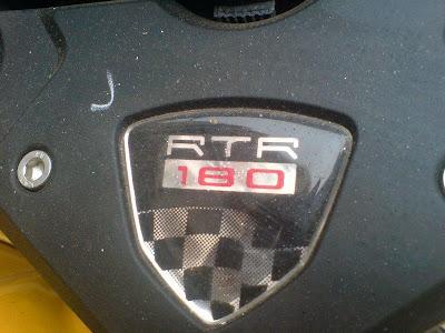 Logo ada tulisan 180