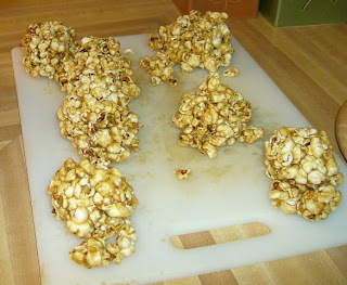 Tac-Tac (Popcorn Balls)