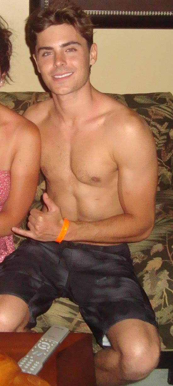Zac Efron Gay 28