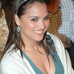 Lara Dutta Cleavage   Shilpa Shetty's :(