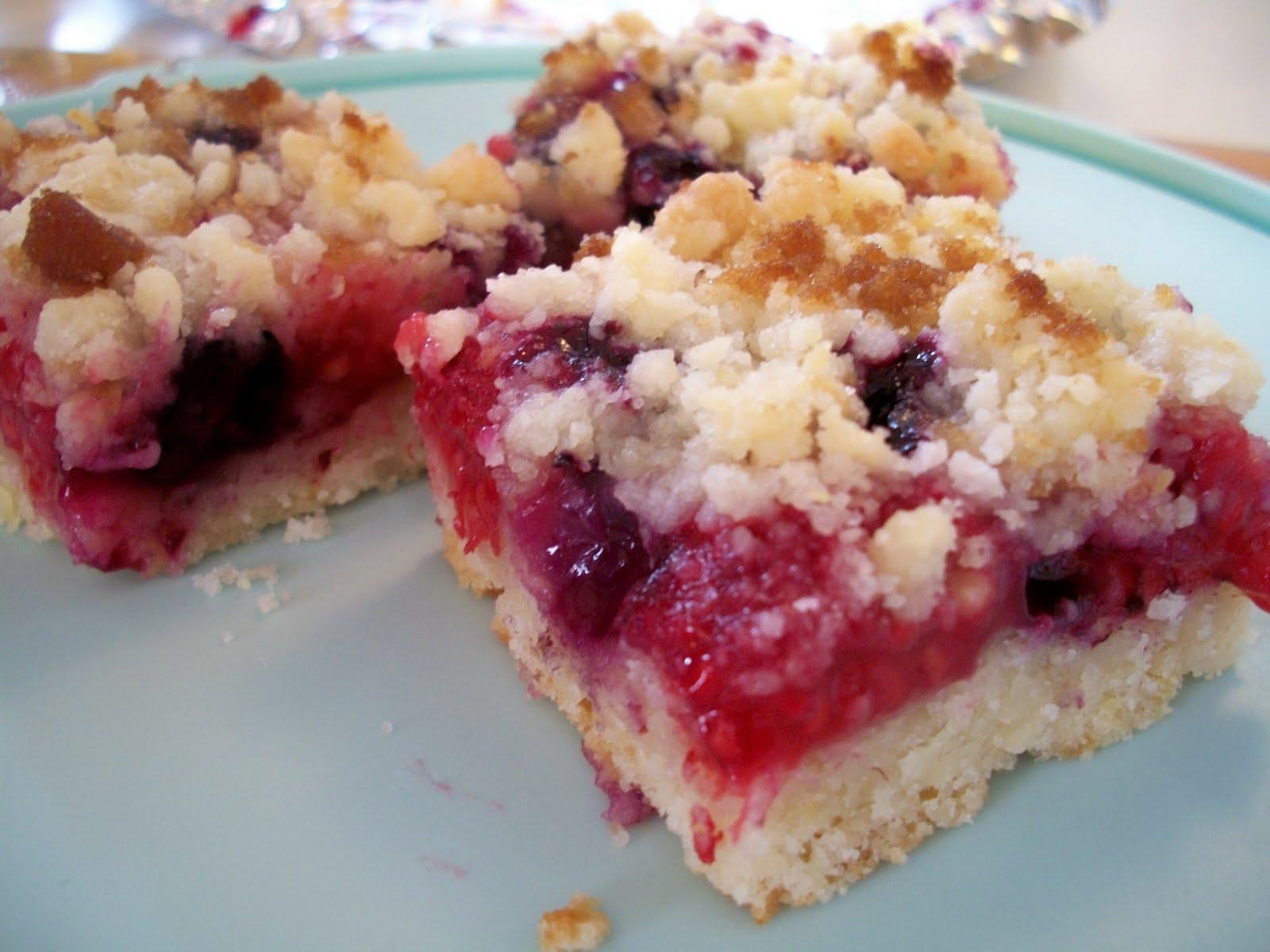 Brooke Bakes : Blueberry Raspberry Crumble Bars