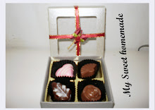 4 pcs chocolate with soft paper box n ribbon