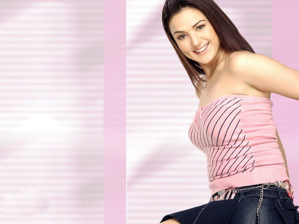 Bollywood Wallpaper Hot Preity Zinta-7060