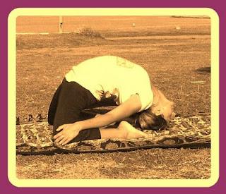 '' Ásana yoga studio '' kapotasana