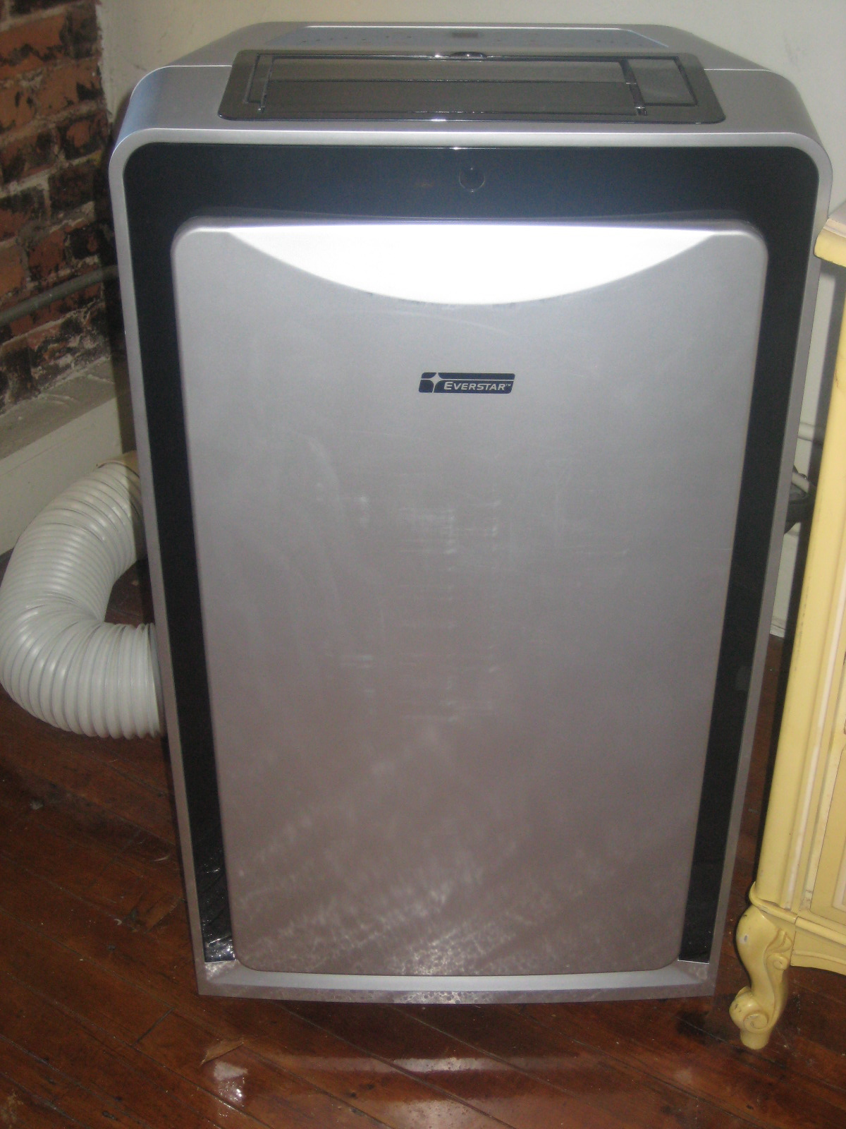 Carla S Garage Sale Everstar Portable A C Unit 10 000 Btu