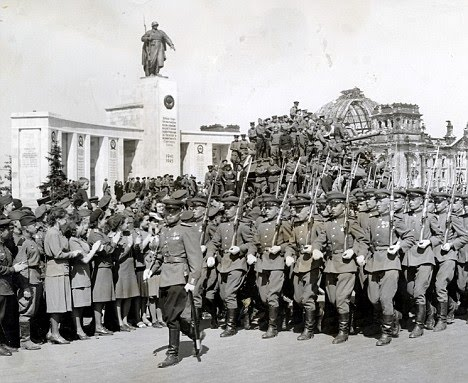 Rapists red army soldiers berlin 1945
