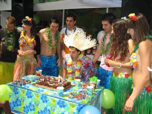 Fiesta hawaiana for Tematicas para 15 anos originales