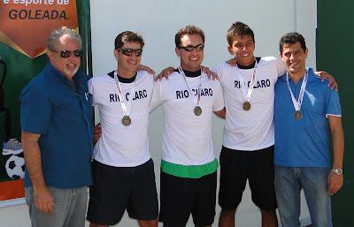 fa9ee0200 A equipe masculina conquistou a medalha de bronze ao vencer Paulínia por 2  a 1