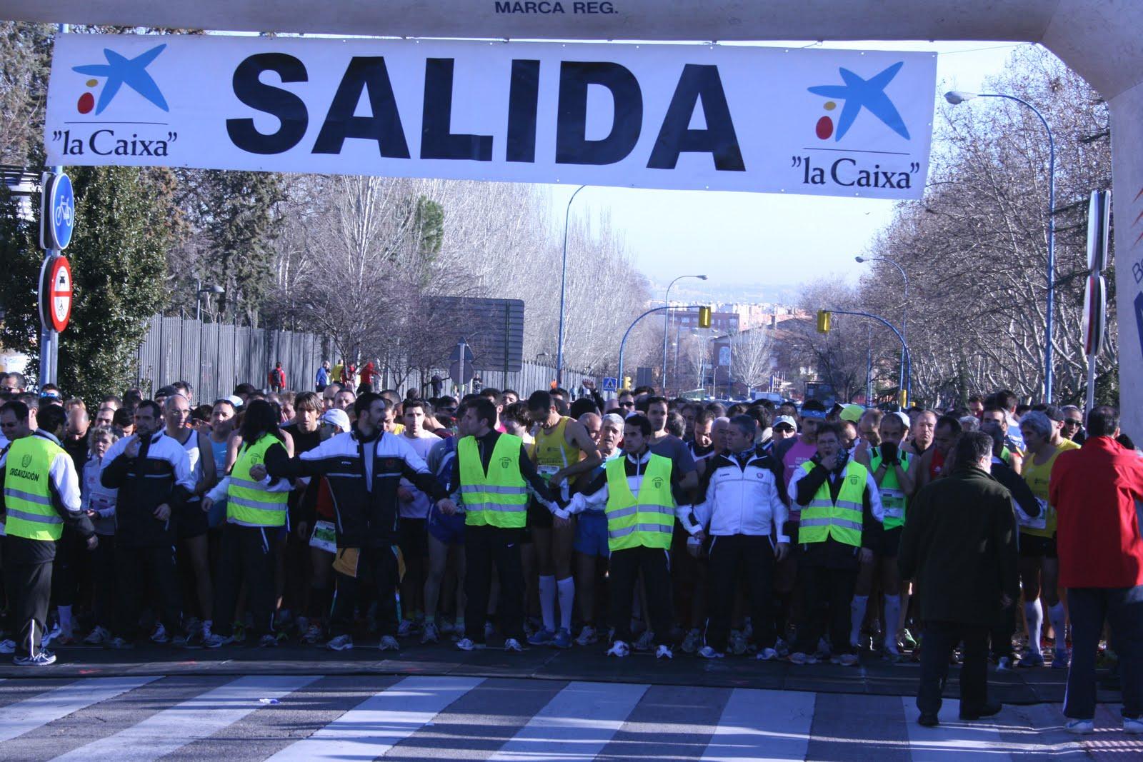 f441f9ee71aa9 Los vencedores en la XII edición de la carrera popular Dos Leguas Fuente de  la Chopera, organizada por el Club Atletas Maratonianos de Leganés, ...