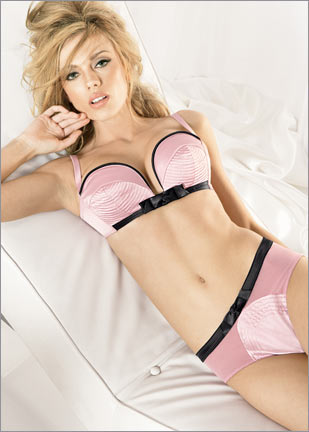 Hollywood Secrets Bras 40
