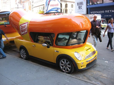 eccentric roadside dog day afternoon three wienermobiles in times square new york. Black Bedroom Furniture Sets. Home Design Ideas
